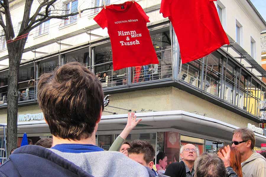 Schnapp den Frühling! Guerilla-Aktion für Filialist Modepark Röther