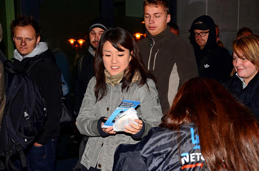 iPhone 5 – NetCologne spendiert wartenden Fans frische Brötchen
